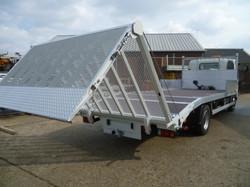 7.5 tonne Beavertail with Bi-Fold Hyraulic Ramps