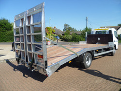 7.5 tonne Beavertail with Hydraulic Ramps