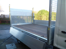 Dropside with Tail Lift and Hardwood Floor