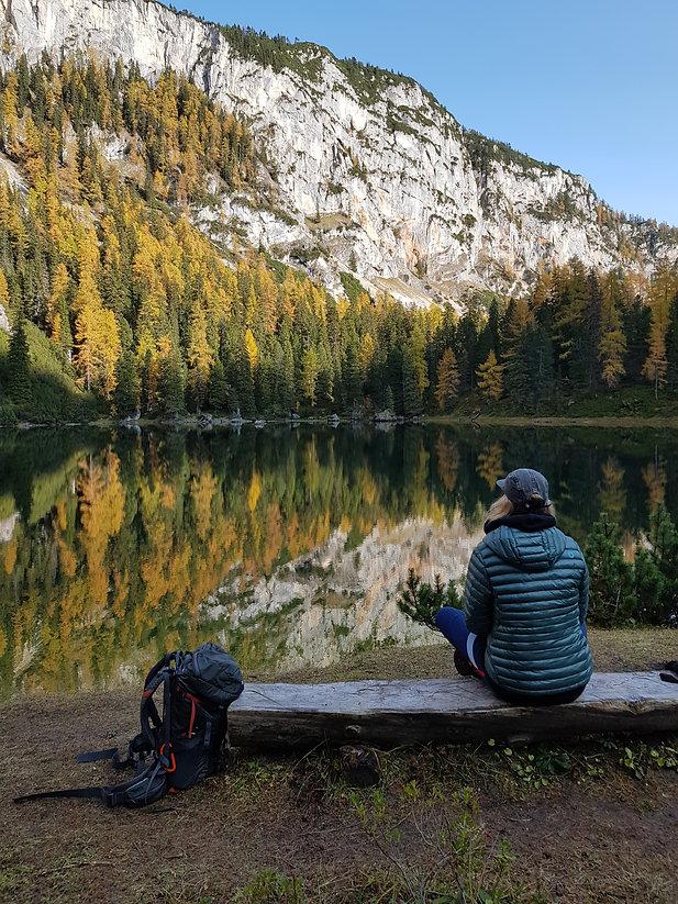 spiegelung_wald_bergsee-dachstein-ahornsee-oktober_2020.jpg.jpg