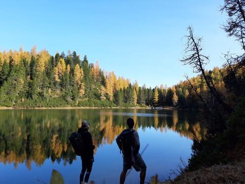 indian_summer_spiegelung_bergsee-dachstein-grafenbergsee-oktober_2020.jpg.jpg