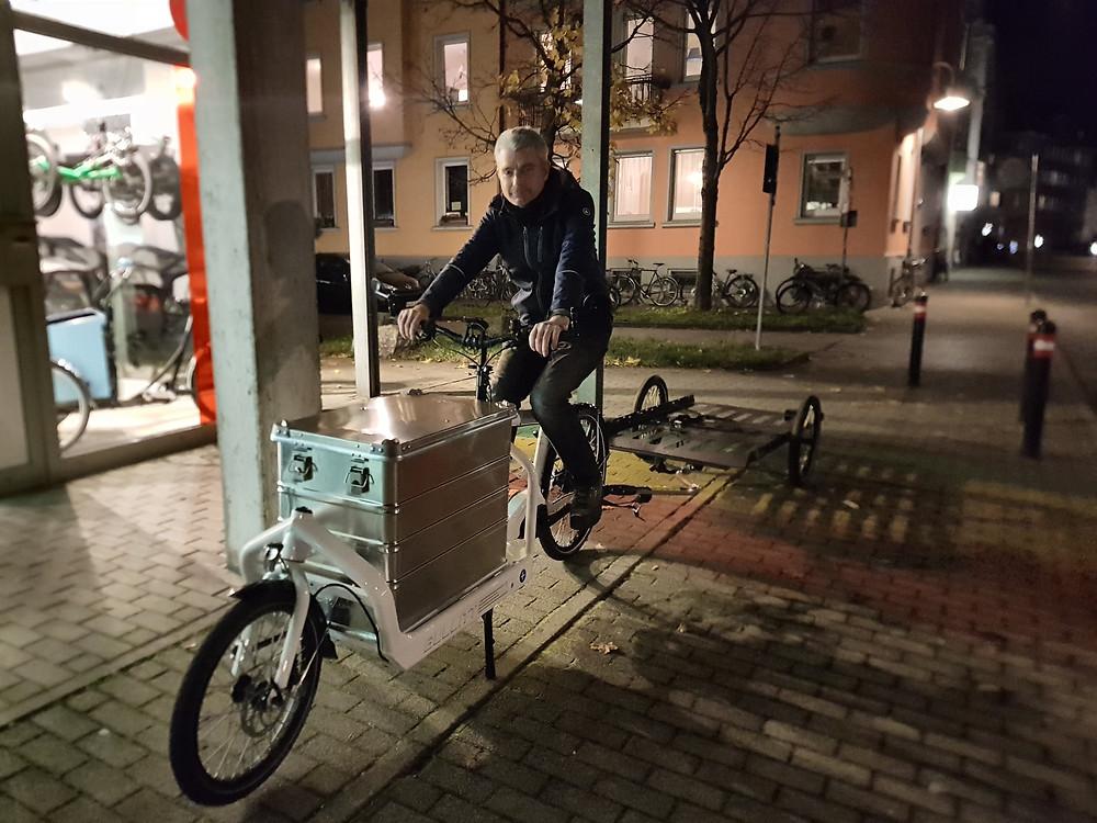 Vor dem Geschäft Fahrradspezialitäten.com in Konstanz
