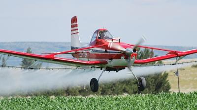 Cessna Ag-Wagon (ZS-JDH), spraying maize in the Northern Cape, Prieska district. February 2012