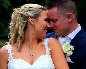 Wedding photographer Fareham- Couple clo