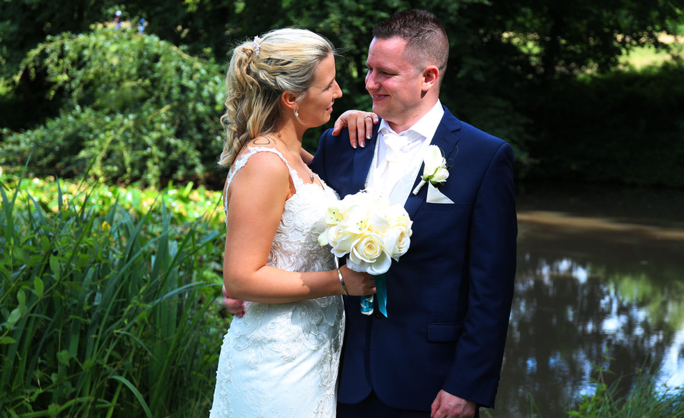 Wedding photographer Fareham- Bride & Gr