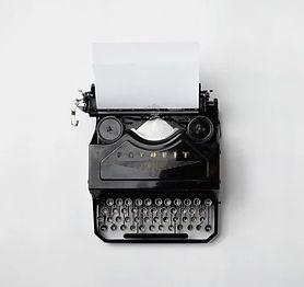 typewriter-498204_960_720_edited.jpg