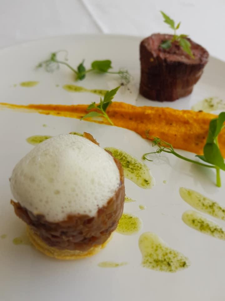 Filet_de_boeuf,_crémeux_carottes_moutarde_de_Meaux