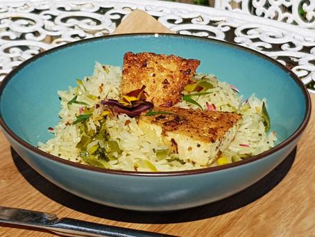 Schäffchensräis mat gebrodenem Tofu