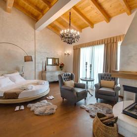 Wine Residence Cattunar.jpg