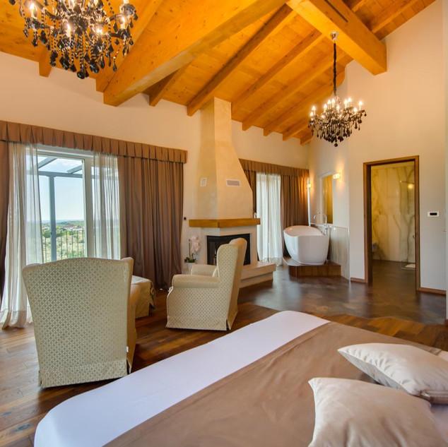 Wine Residence Cattunar 2.jpg