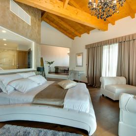 Wine Residence Cattunar 3.jpg
