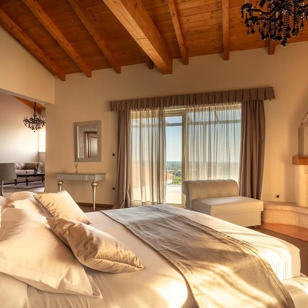 Wine Residence Cattunar 6.jpg