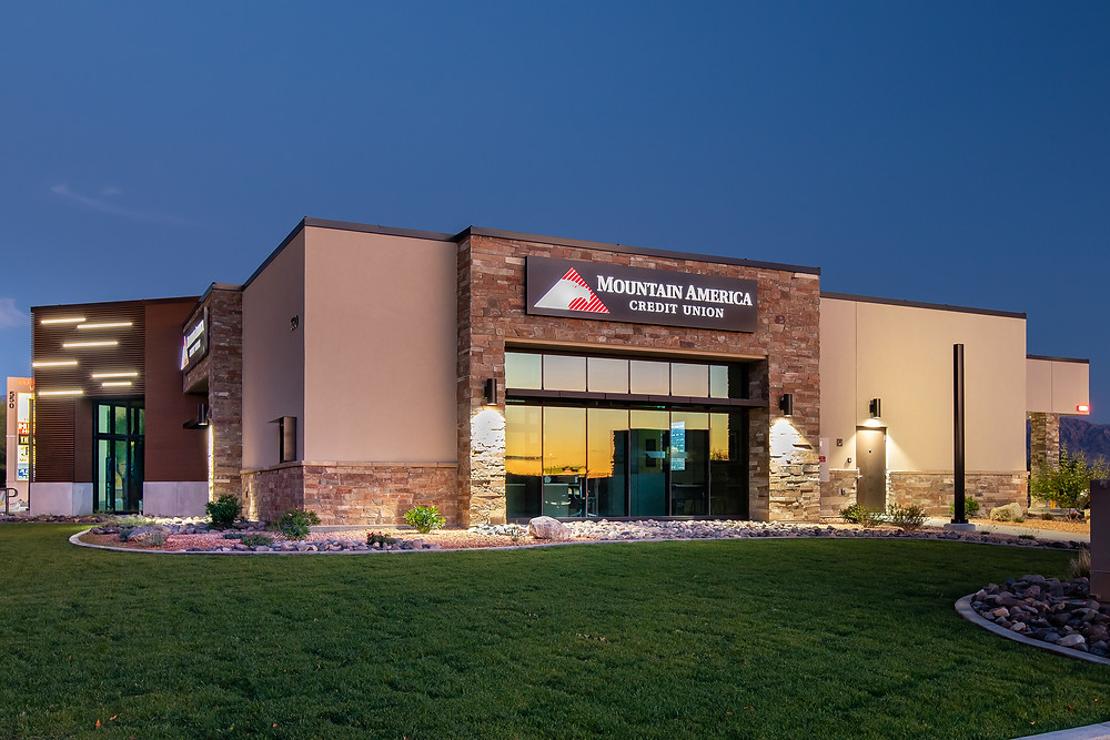In July 2019, Zwick Construction completed the Mountain America Credit Union in Mesquite, NV.