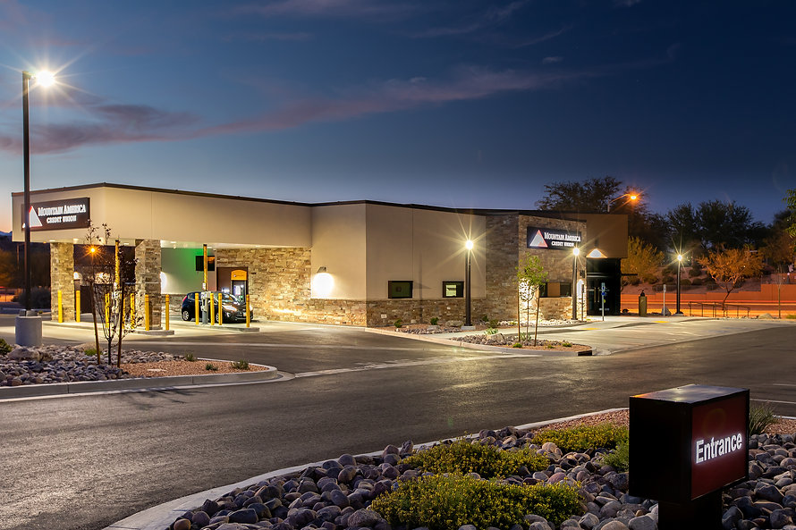 Zwick Construction has completed many retail and office projects throughout states like Utah, California, Nevada, and Arizona, including the Mountain America Branch in Mesquite, NV.