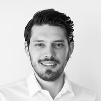 Fotografía de rostro de Guillermo González, director de producto de fanbot