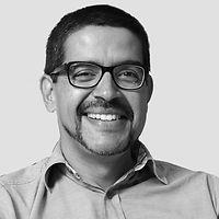 Fotografía de rostro de Ramsés Moreno de CuatroMedios