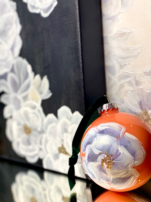SET OF 4 ORNAMENTS: CLEMENTINE