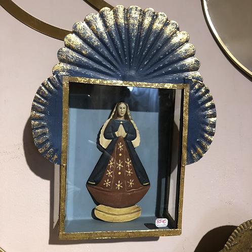 Madonna dans pt armoire