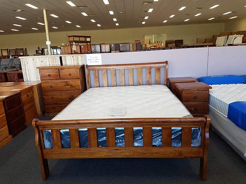 Crescent (Slatted) Queen 4 Piece Bedroom Suite