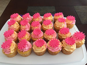 Raspberry lemonaid cupcakes.jpg