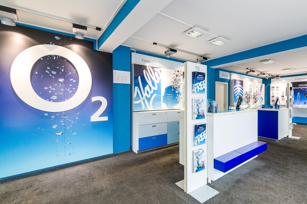 Der O2-Shop Friedberg unterstützt Adrian Maliqi Raatz