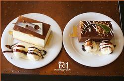 2 עוגות מבט מלמעלה+ לוגו (Medium)