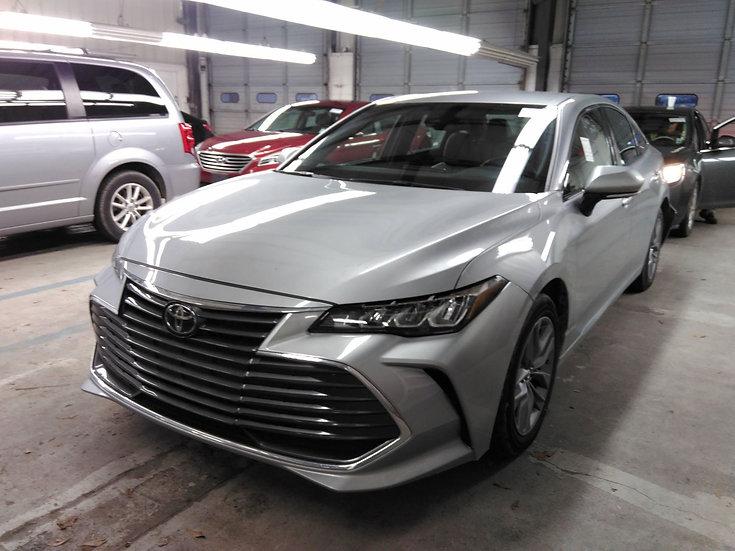 LOT - 049261 - 2020 Toyota AVALON V6 XLE