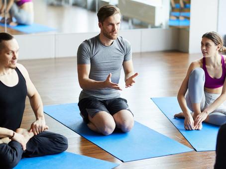 Per quanto tempo un insegnante di yoga dovrebbe continuare a formarsi?
