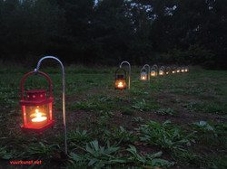 vuur-lantaarns aan het parcours
