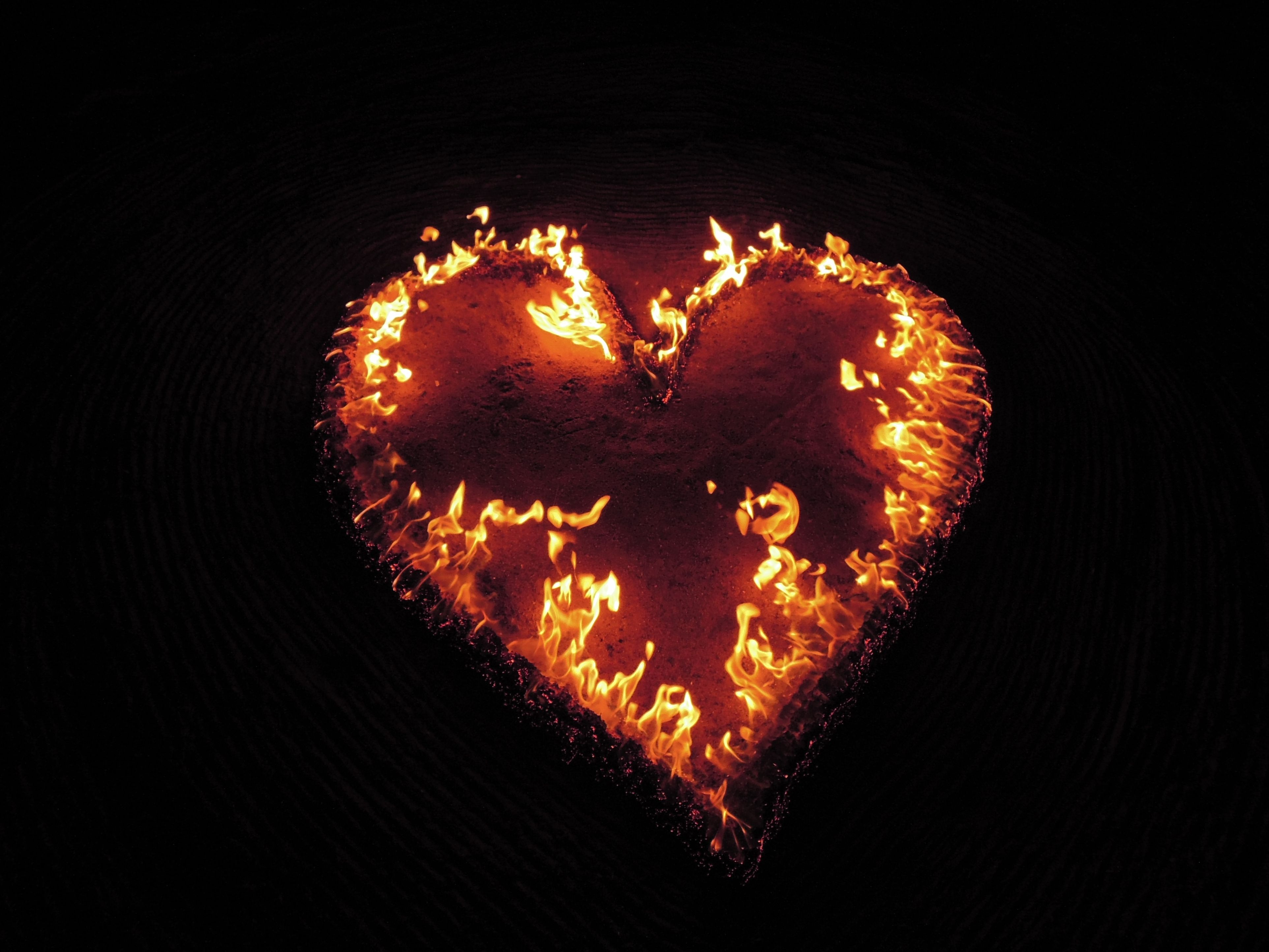 vuurkunstperformance vurig hart