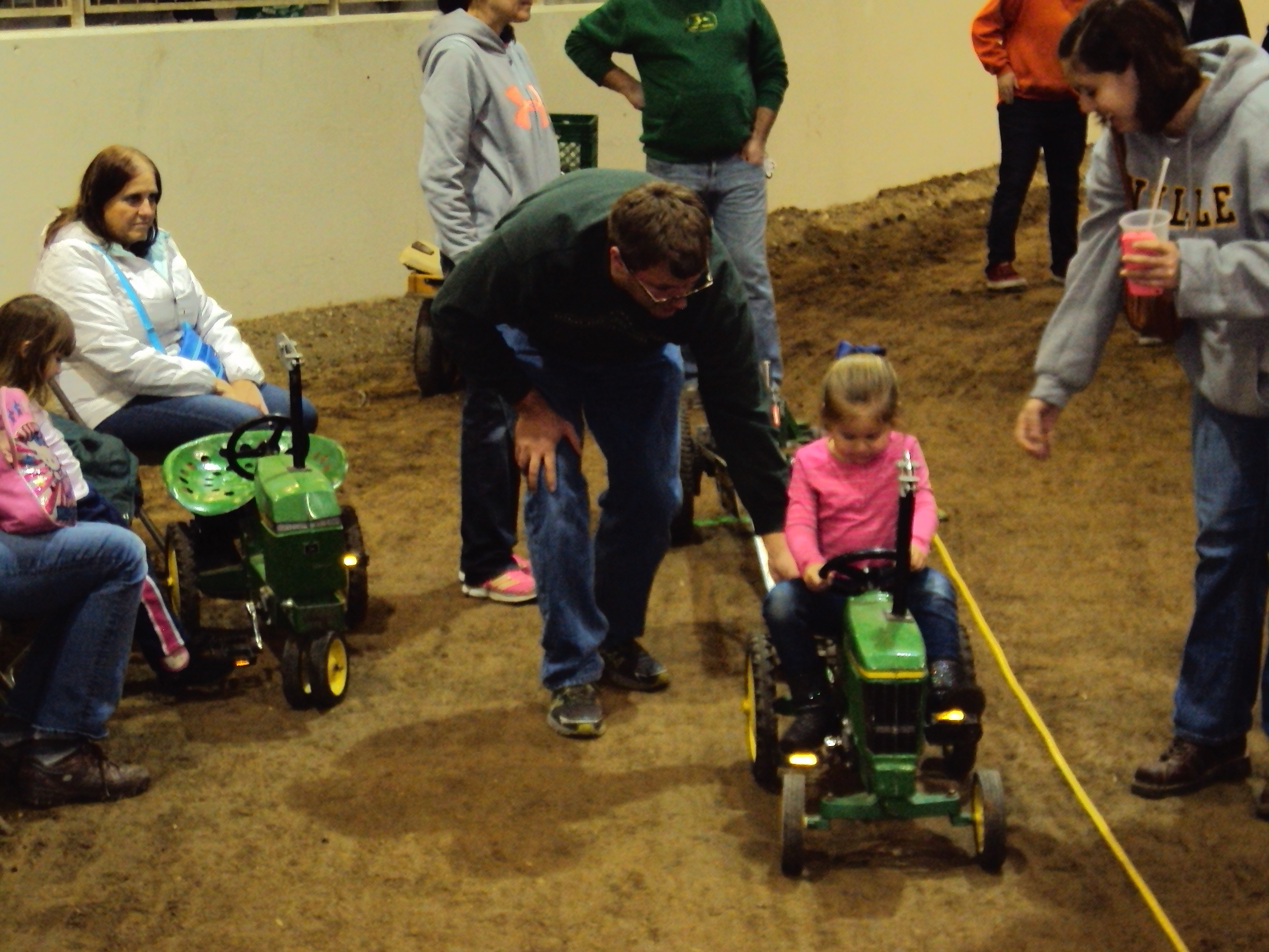 Kids pedal tractor pull 2016