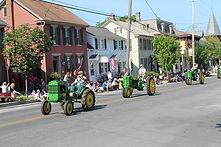 John Deere Tractor Parade, Antique Tractor Parade, Classic Tractor Event, Restored Classic Tractors