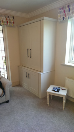 Jones Living Room 02
