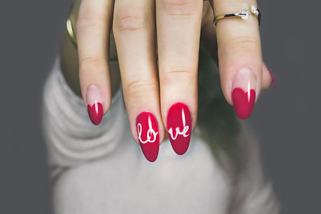 red-and-white-manicure-with-love-print-8