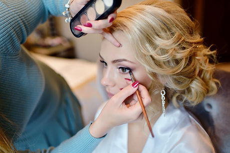 wedding-makeup-artist-making-a-make-up-f