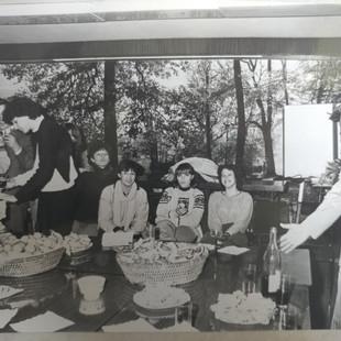 ענת דרייגור שחקנית חיזוק  בקלרמון פראן 1980
