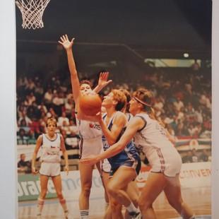 ענת דרייגור - תמונות כדורסלנית במשחקים (16).jpg
