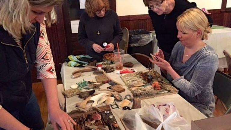 Workshop: Driftwood Collage