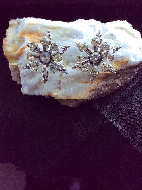 Vintage Silvertone, Starburst Design, Rhinestones, Pins Jewelry 17