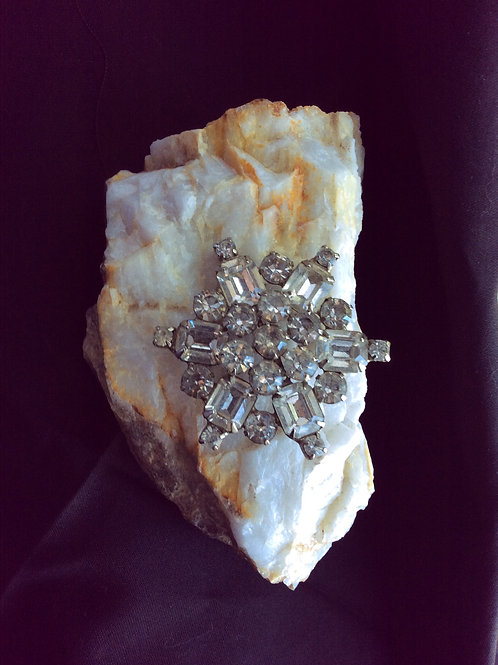 Vintage, Weiss Design,Rhinestone Snowflake Brooch ,  Jewelry 27