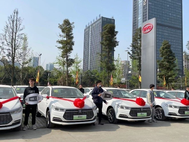 Senmiao, focused on the ride hailing industry received delivery of electric vehicles in China