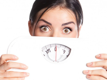 Meu cirurgião me pediu para perder peso antes da abdominoplastia. Por que?