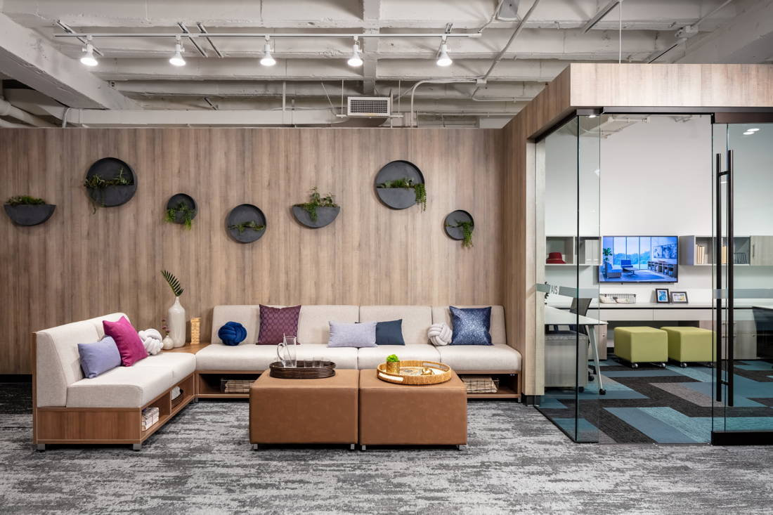 2019-neocon-showroom-shots-lb-lounge_lg.