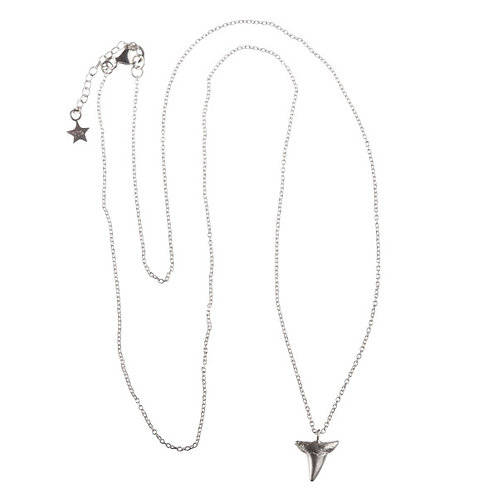 Betty Bogaers N525 S Shark Tooth Necklace Silver