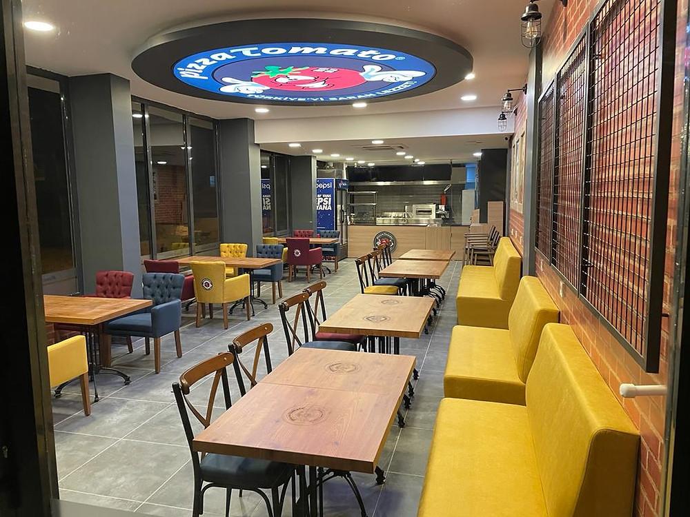 Pizza Tomato Akşehir Şubesi iç mekanı