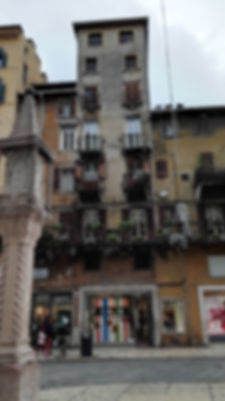 Travel Verona, Italy. Lots of balconies in Verona!