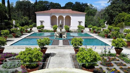 Italian Renaissance Garden- Hamilto Gardens.jpg