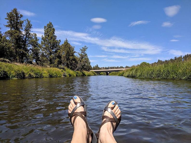 floating-deschutes-river-tumalo