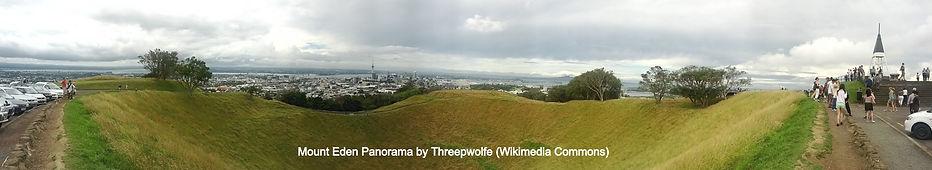 Mt.Eden Panorama by Threepwolfe (Wikimedia)