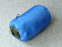 Sleeping bag by Hans Braxmeier (Pixabay).jpg